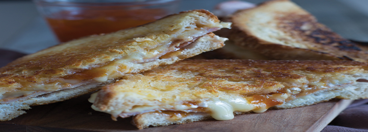 Recipes For A Nervous Breakdown: Pan-fried Bacon, Brie and Apricot Jam Sandwich